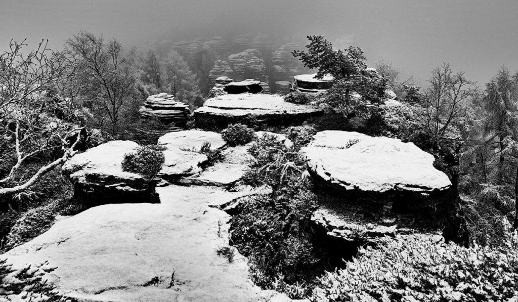 první sníh v Tiských skalách