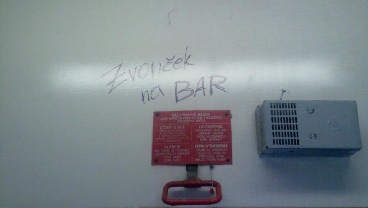 Zvonček na bar na trati Brno - Jeseník